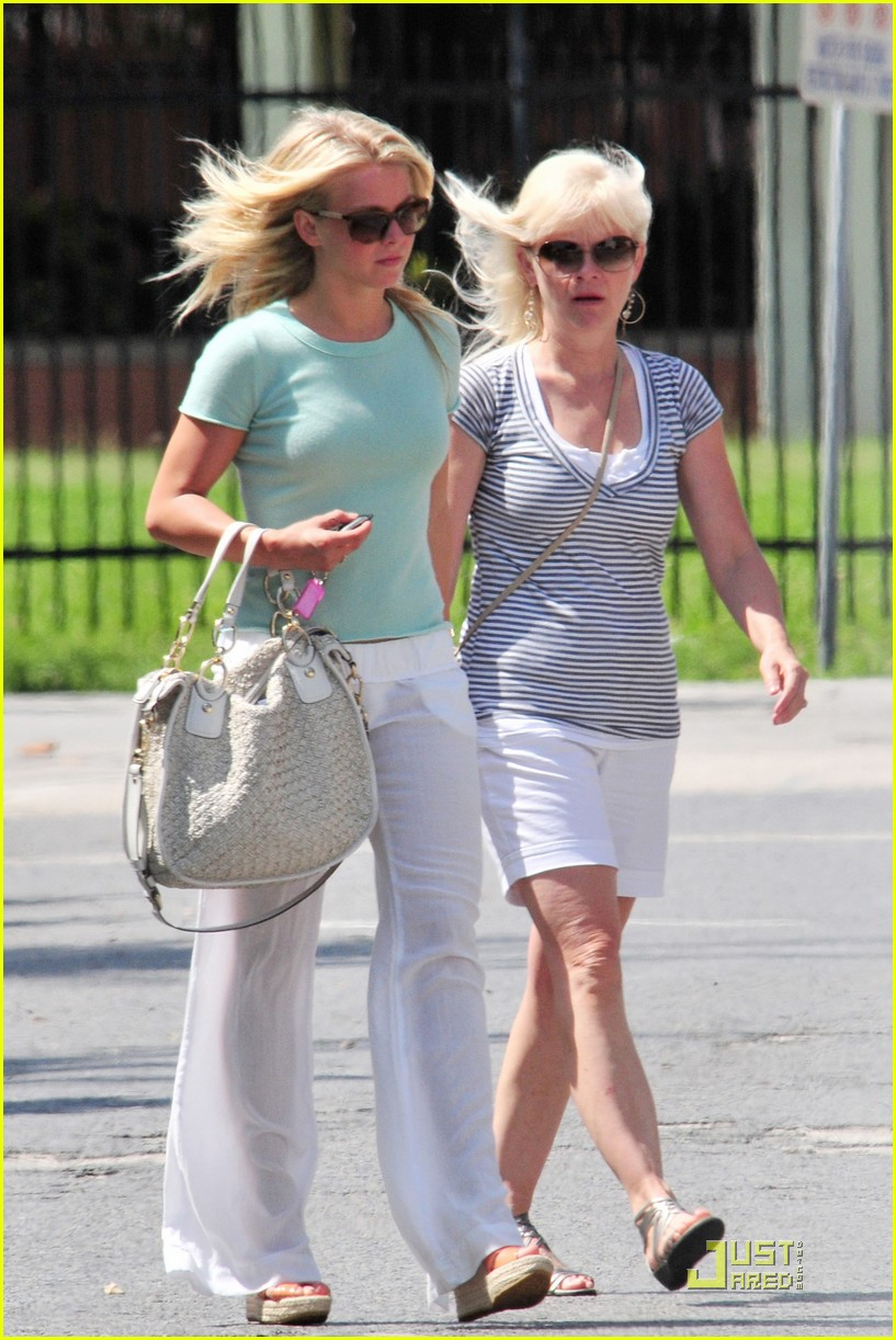 julianne hough jamba juice 01