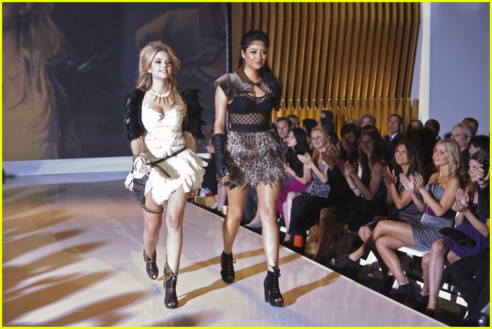 pretty liars fashion show 18