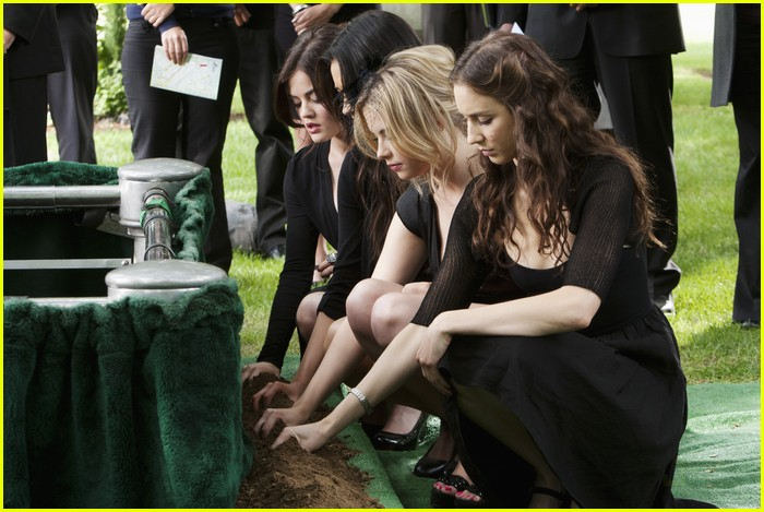 pretty liars funeral two 03