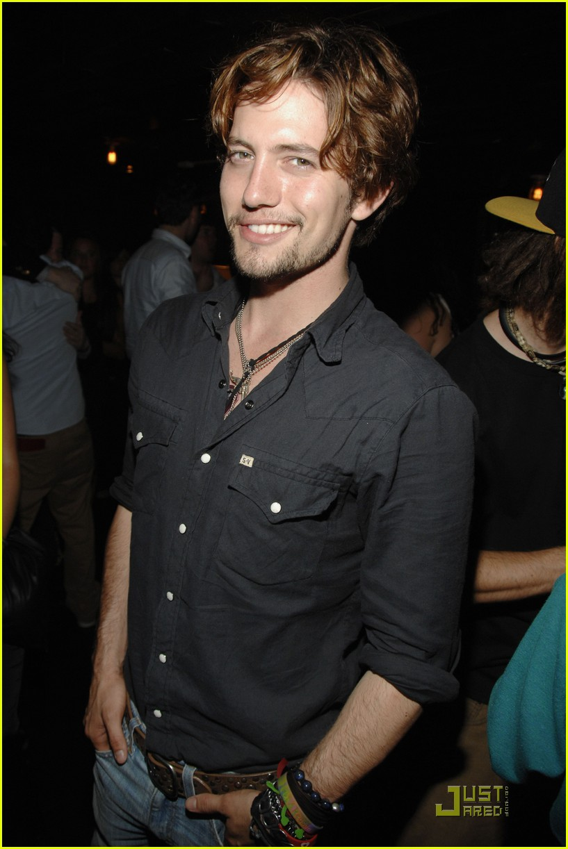 jackson rathbone girlfriend party 05