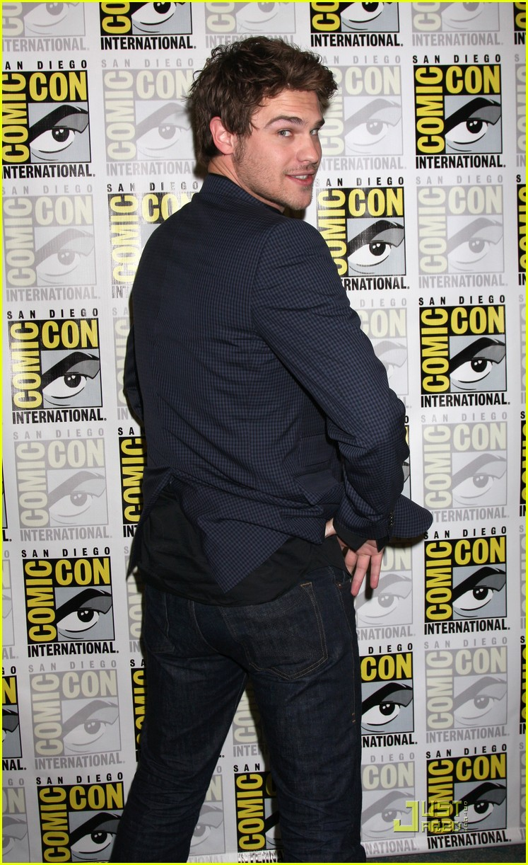 skyler samuels grey damon sdcc 02