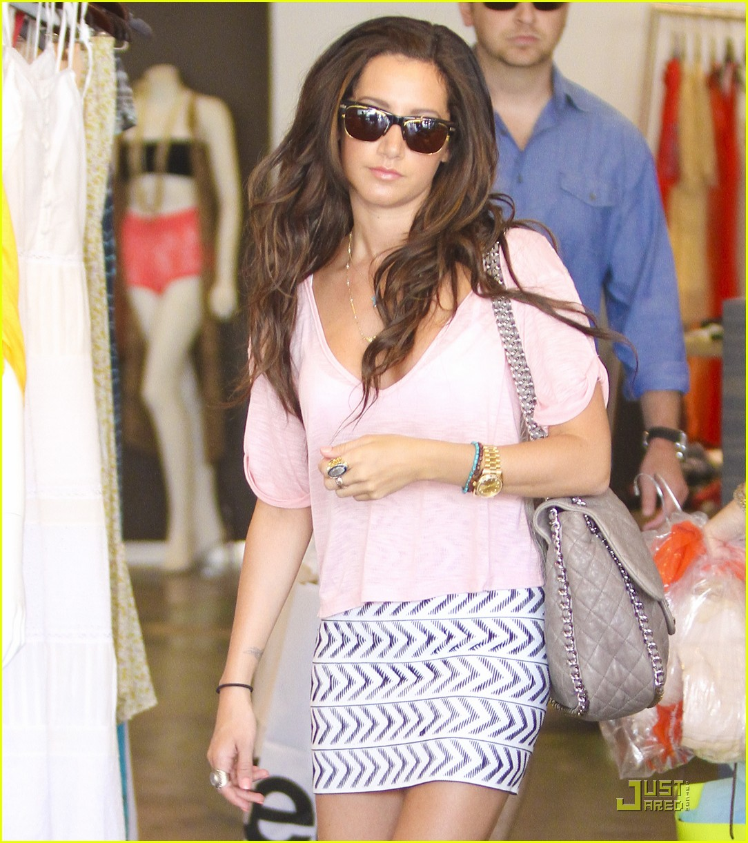 ashley tisdale bday shopping 01