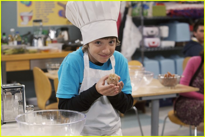 aiden mincks sierra mccormick cooking class 05
