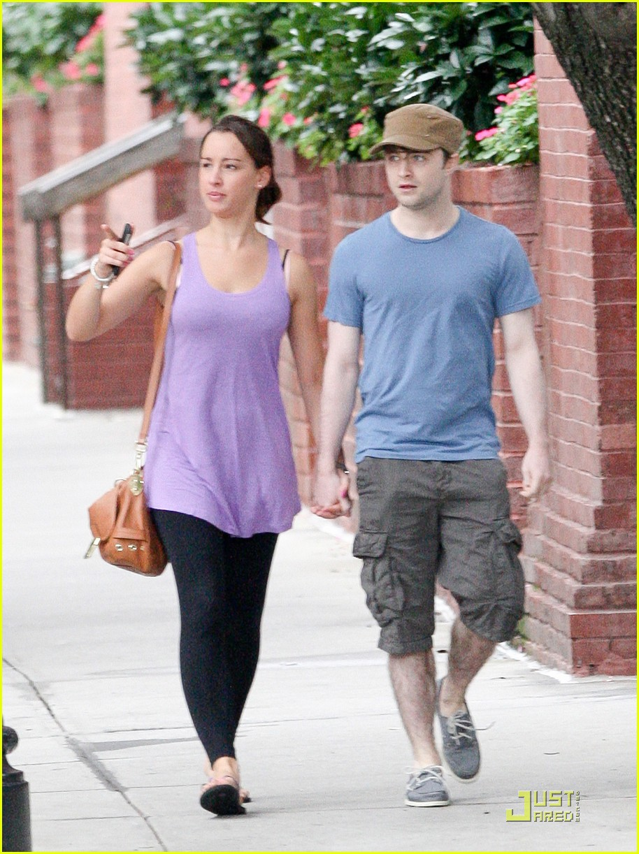 daniel radcliffe girlfriend walk 03