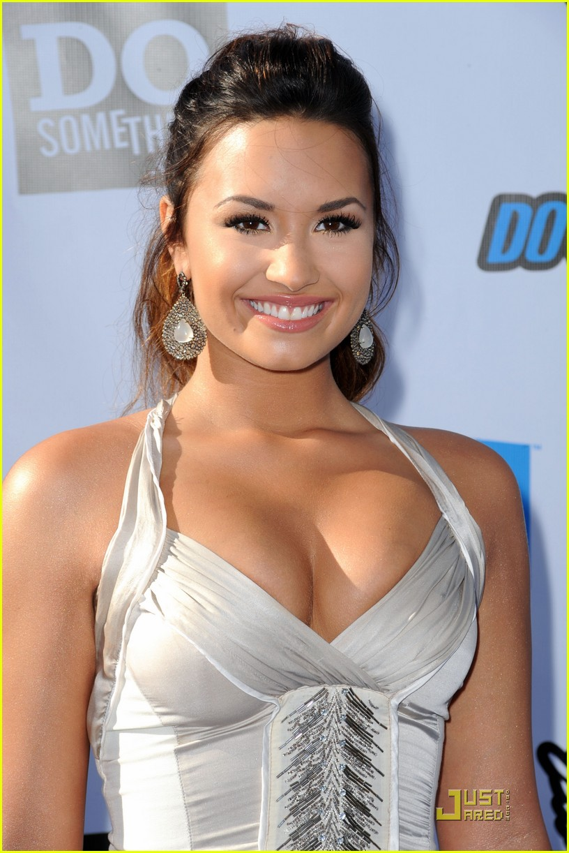demi lovato do something awards 23