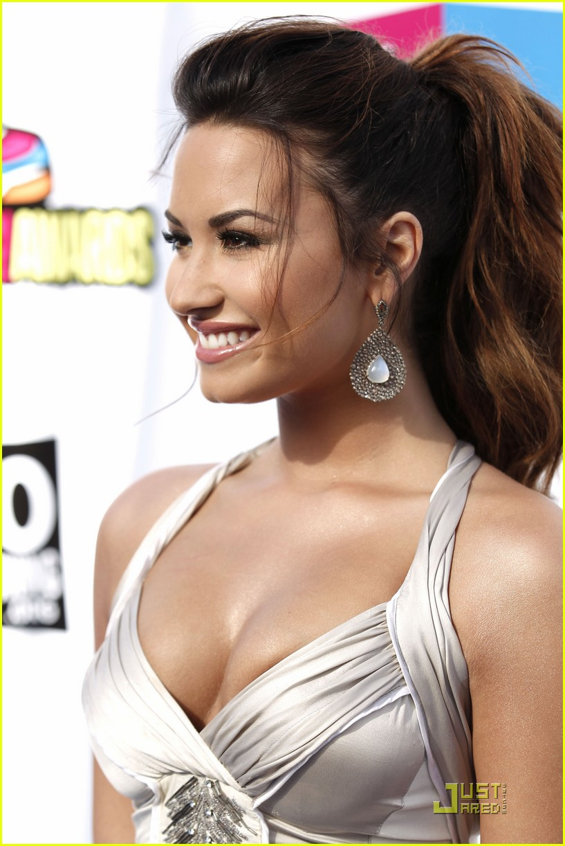 demi lovato do something awards 26