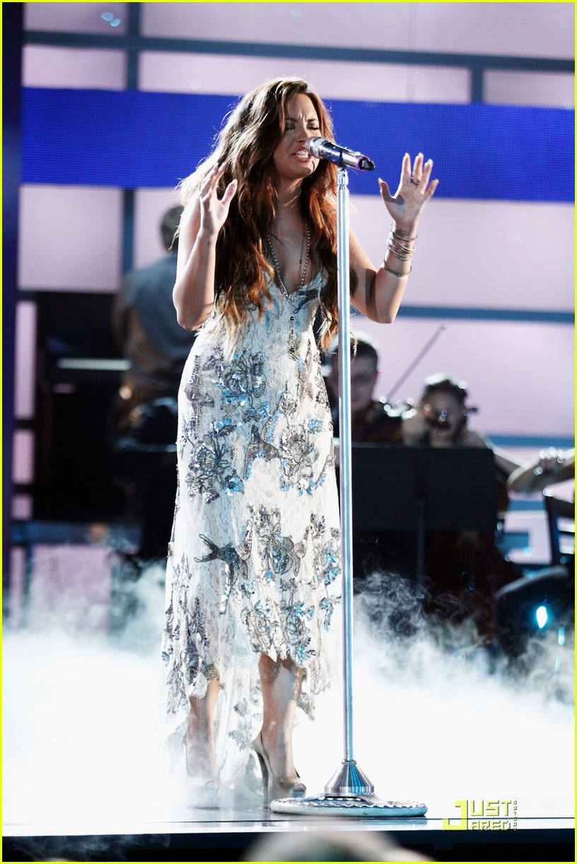 demi lovato do something awards 29