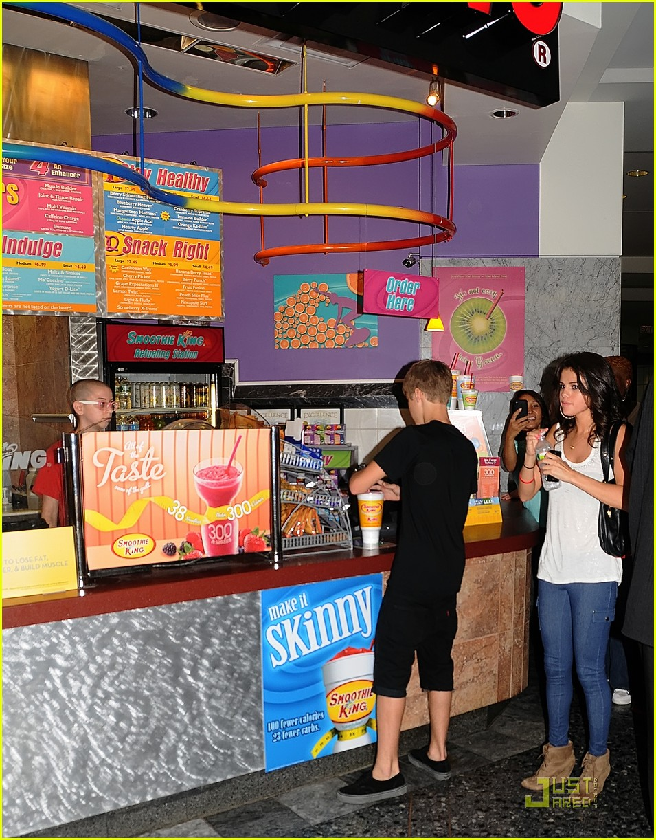 selena gomez justin bieber smoothie king sweeties 07