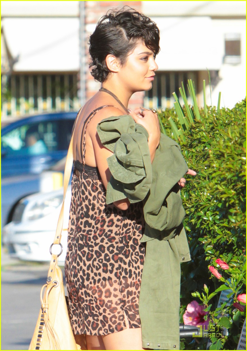vanessa hudgens leopard 04