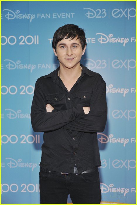 mitchel musso doc shaw kings d23 06