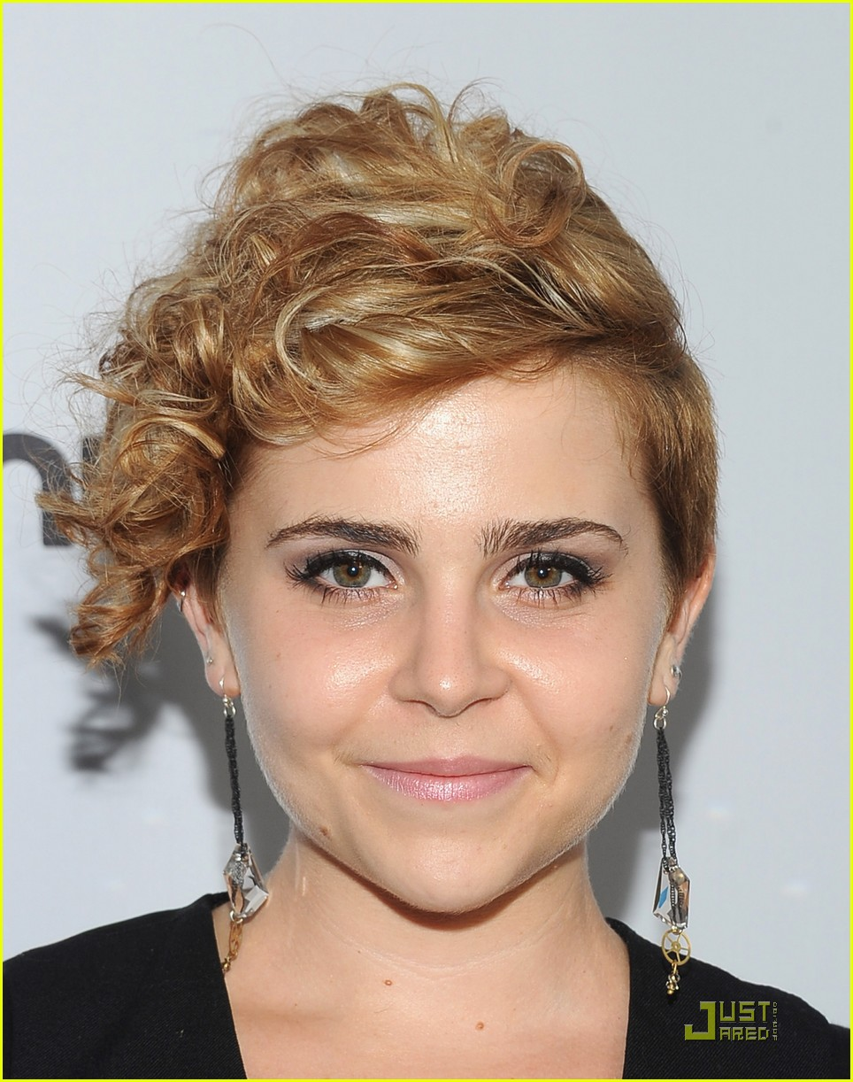 mae whitman nbc party 05