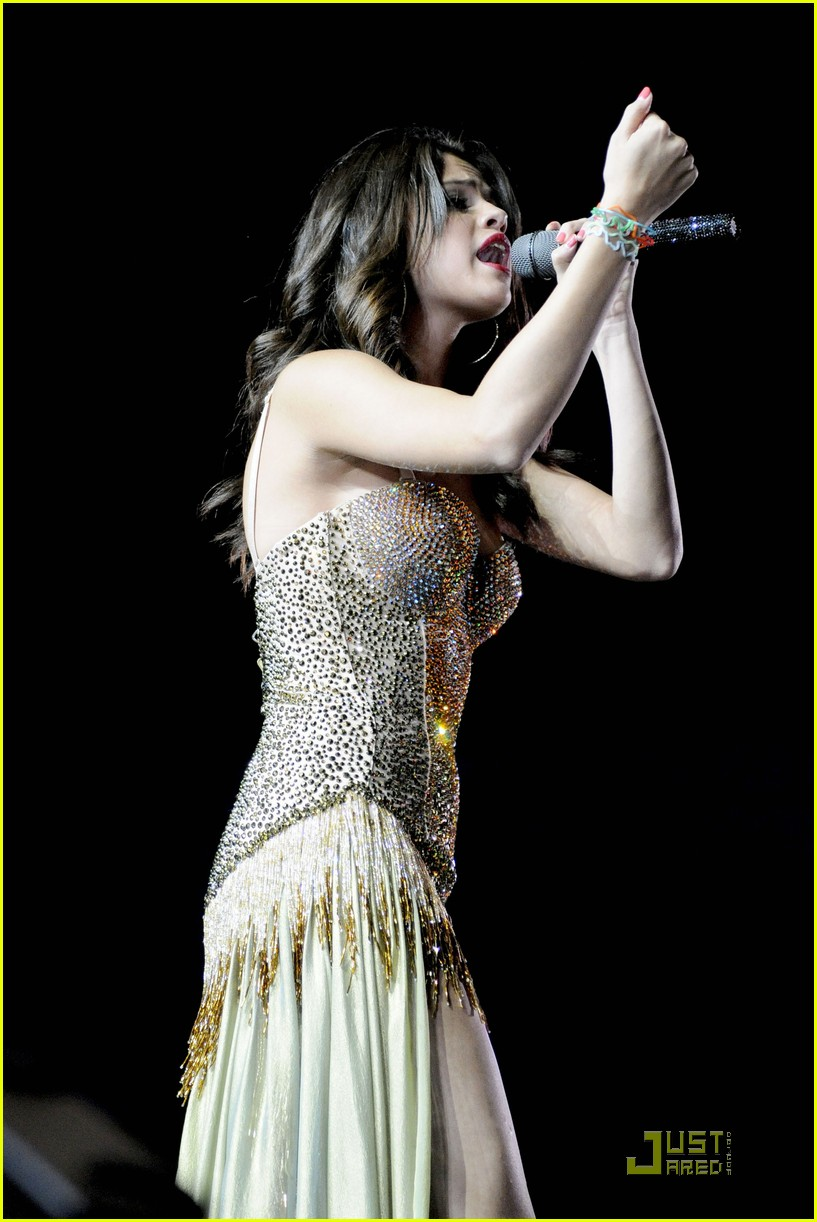 selena gomez molton music 03