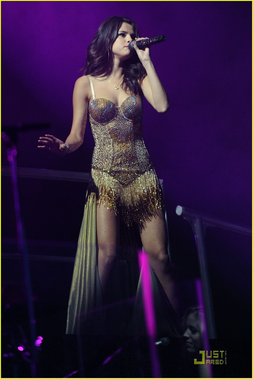 selena gomez molton music 16
