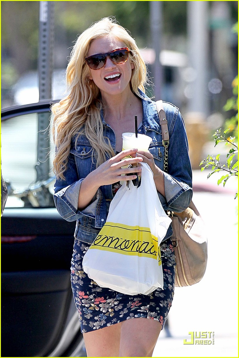 brittany snow lemonade lunch 17