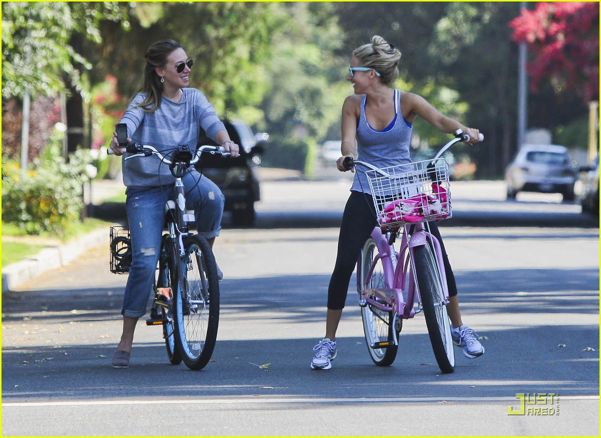 ashley tisdale haylie duff bikes 09