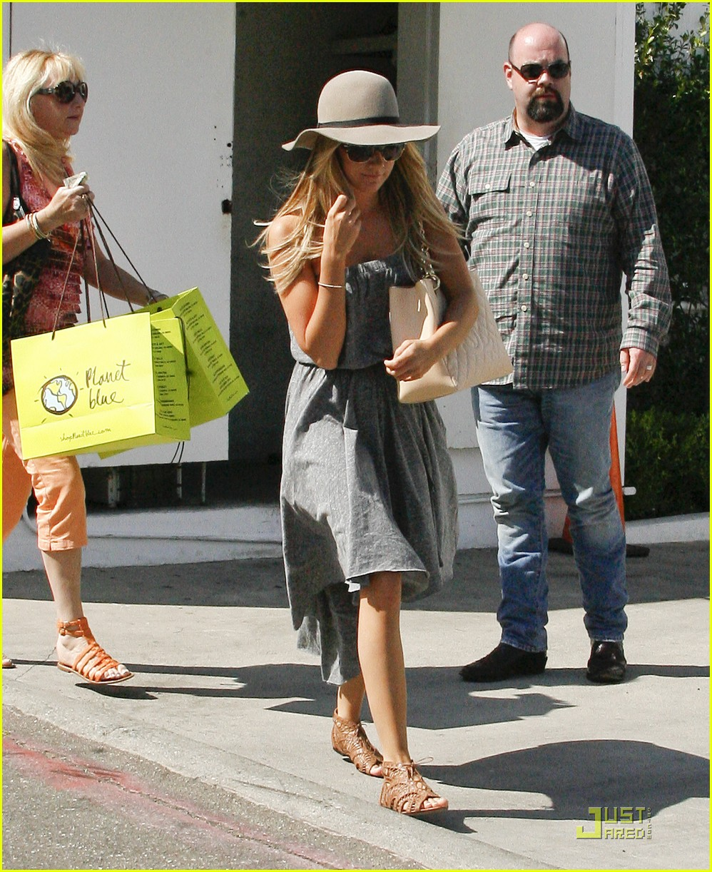 ashley tisdale shopping hat 10