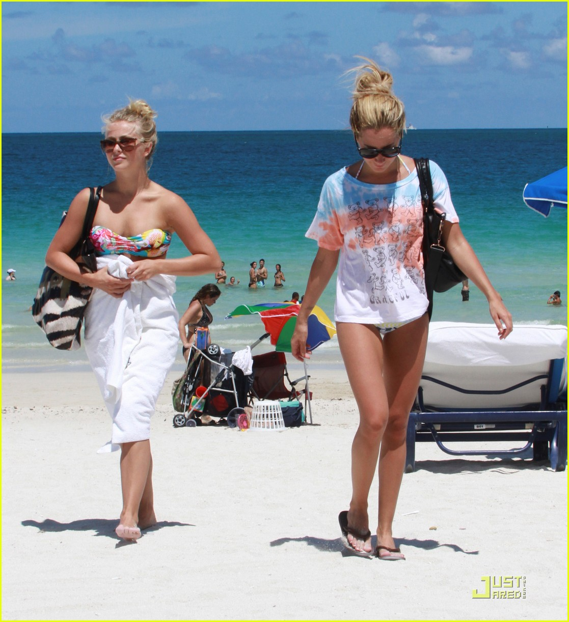 ashley tisdale julianne hough miami beach babes 17