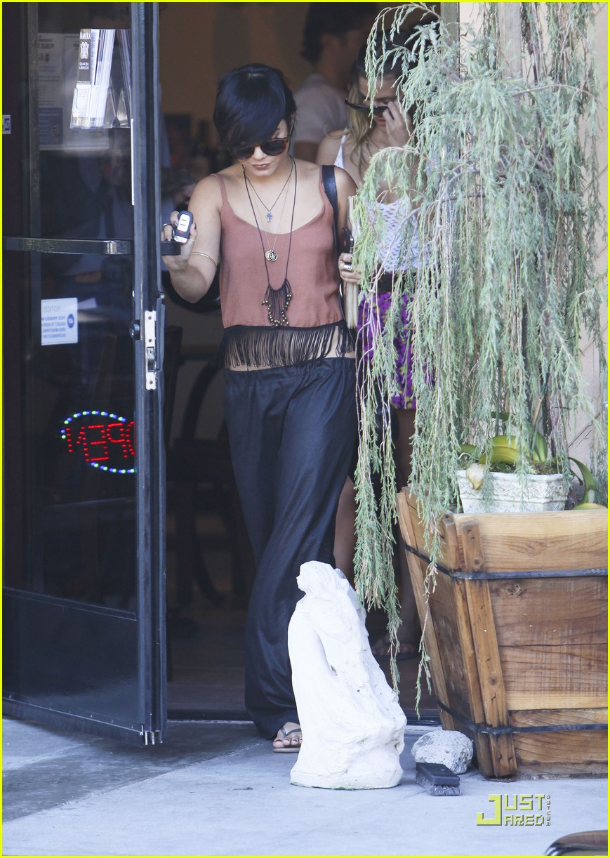 vanessa hudgens laura new lunch 18