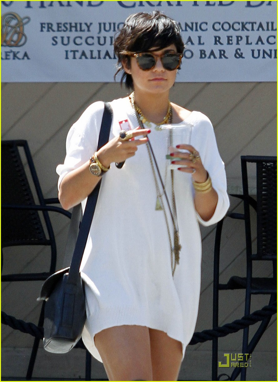 vanessa hudgens shirt dress 01