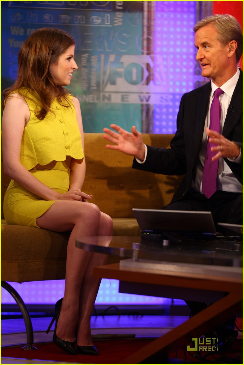 anna kendrick 5050 fox friends 04