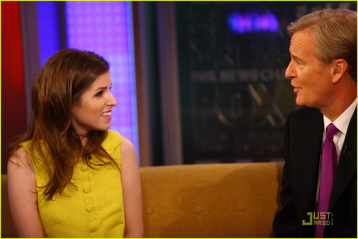 anna kendrick 5050 fox friends 14