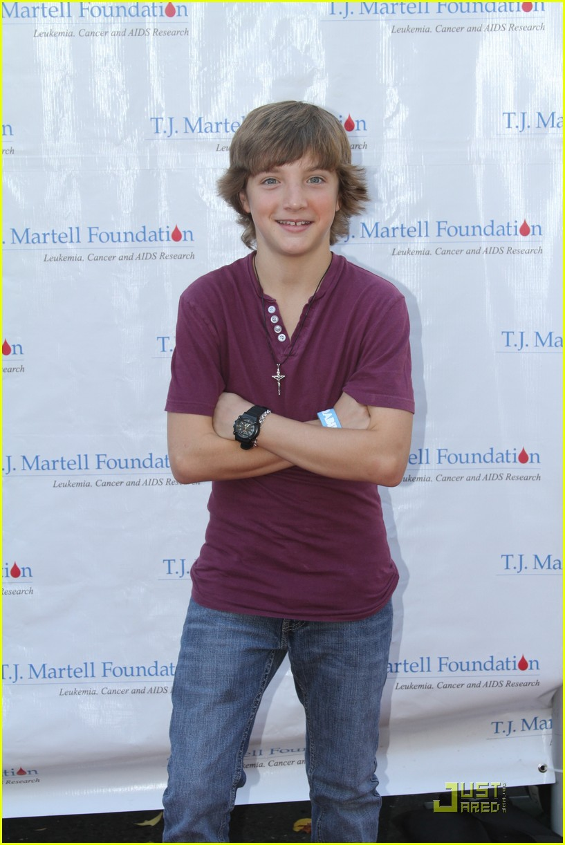 stefanie scott jake short tj 08