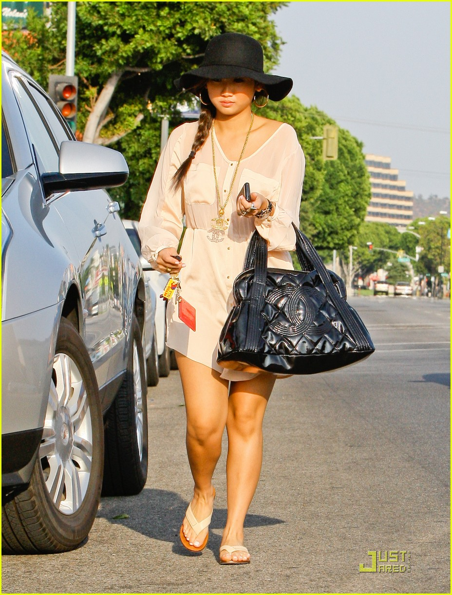 brenda song errands sat 04