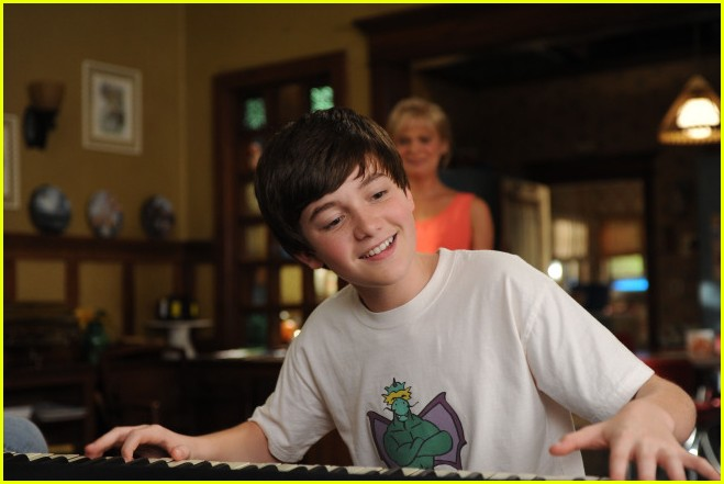 greyson chance raising hope stills 01