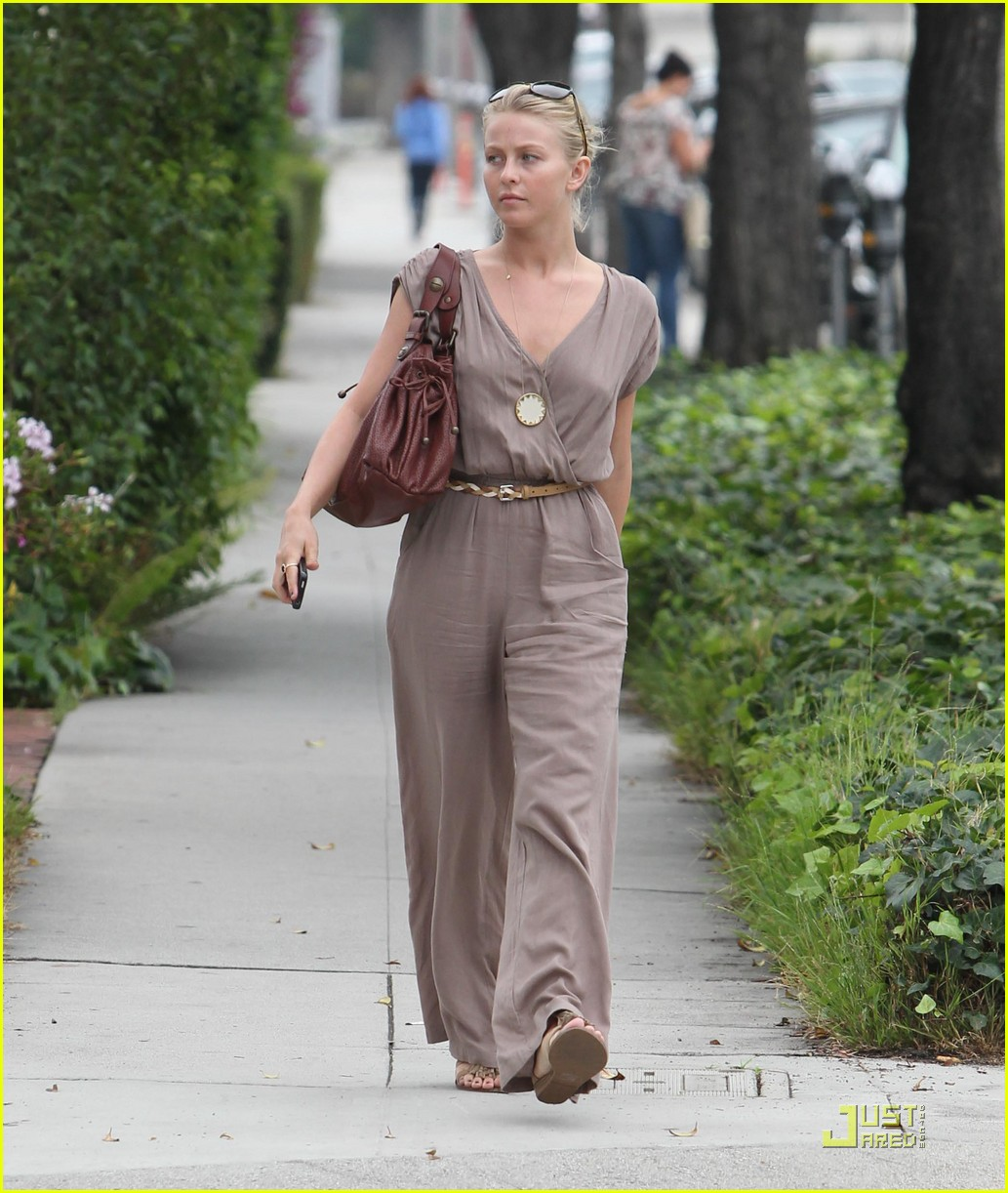 julianne hough salon 01