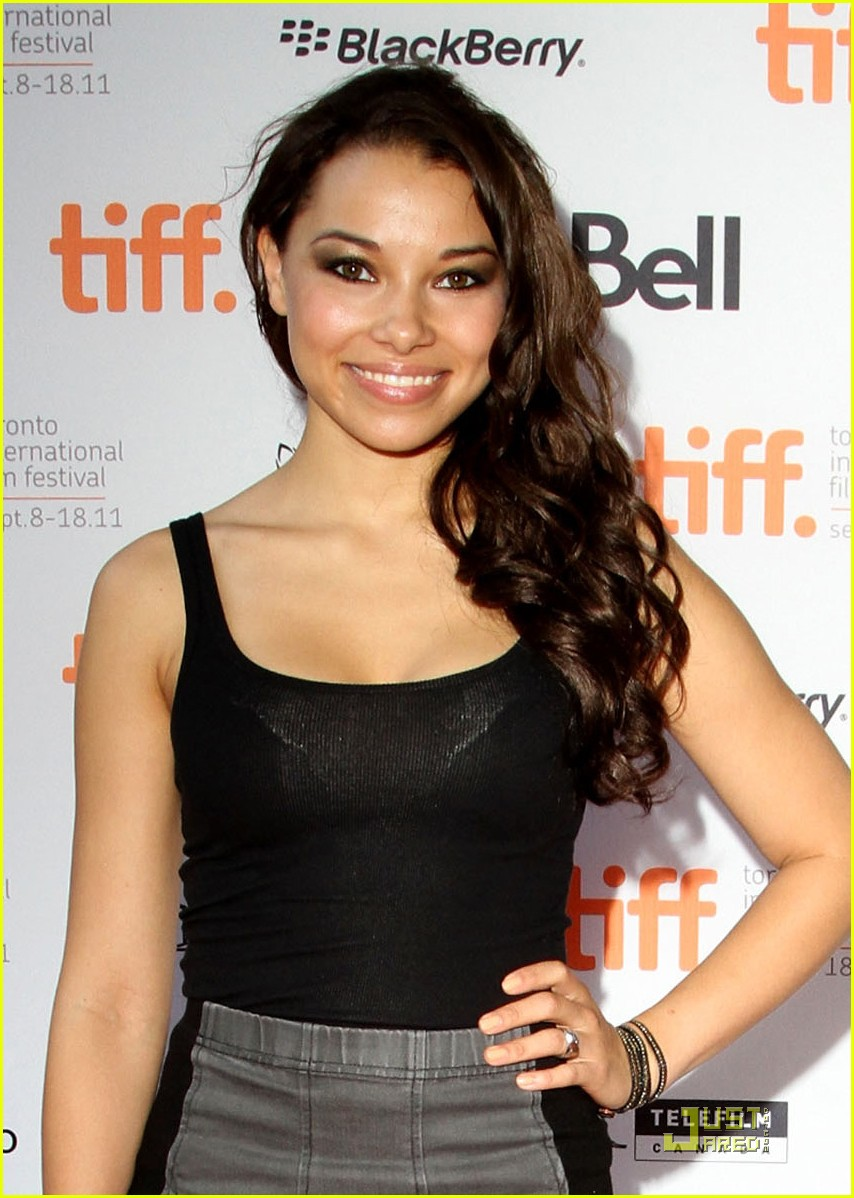 jessica parker kennedy 5050 03