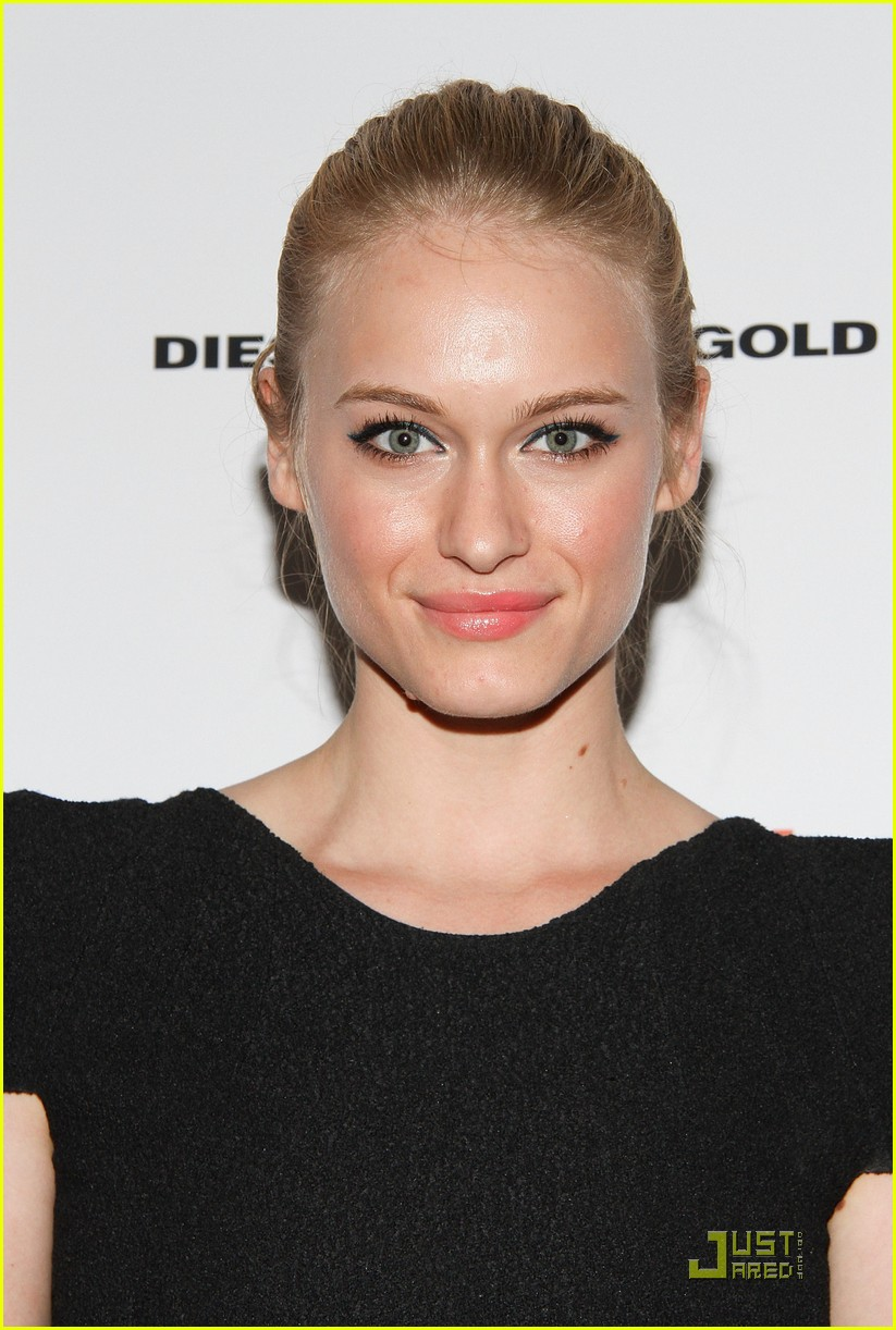 leven rambin machine gun preacher 10