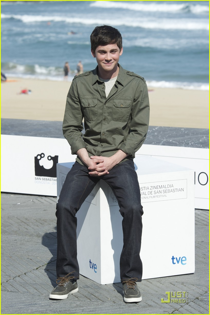 logan lerman san remo festival 05