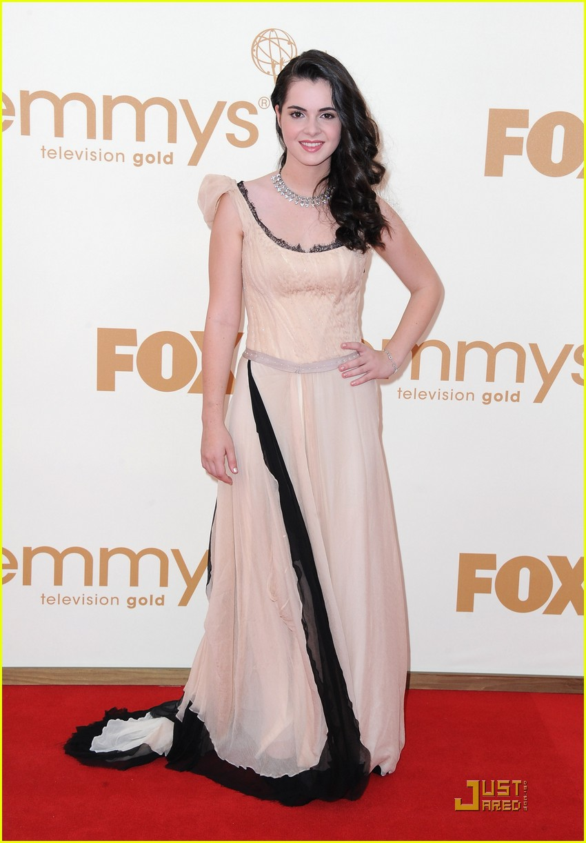 vanessa marano emmy awards 01