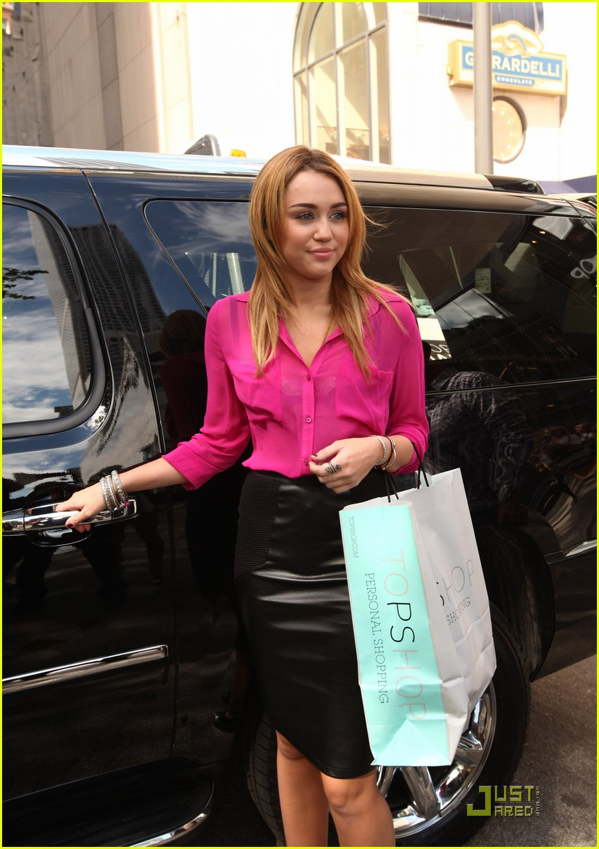 miley cyrus topshop chicago 06