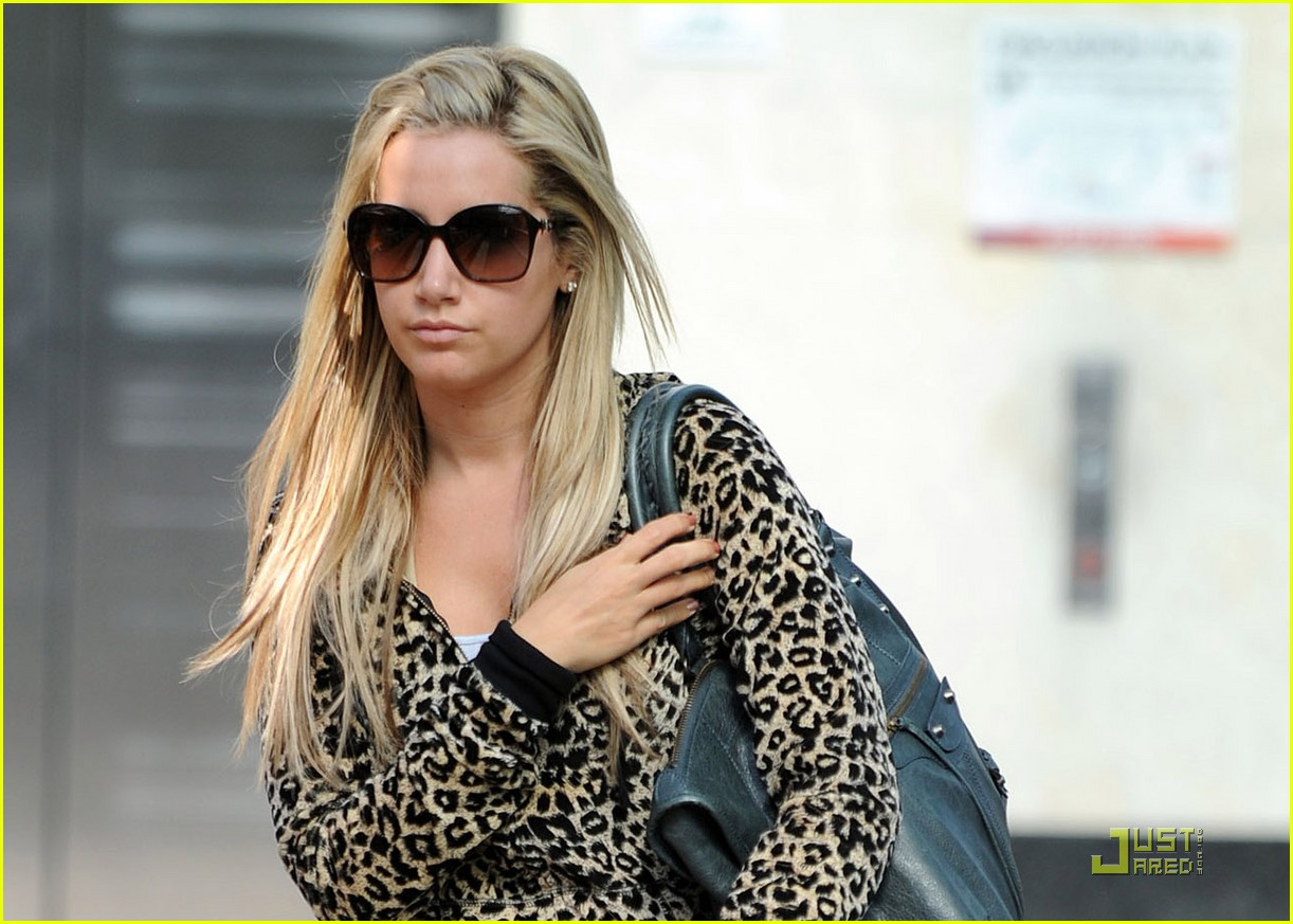 ashley tisdale cheetah workout 05