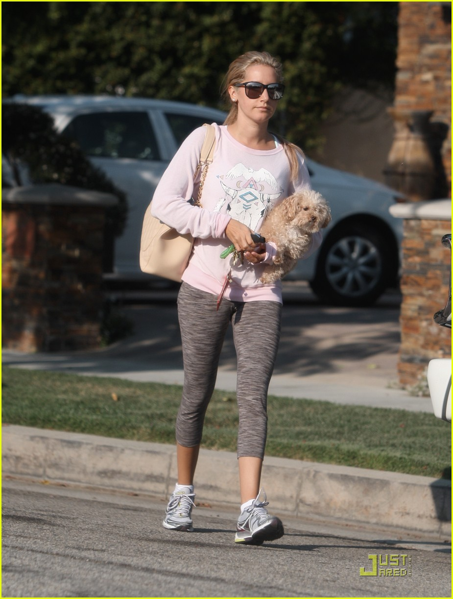 ashley tisdale pink shirt 15