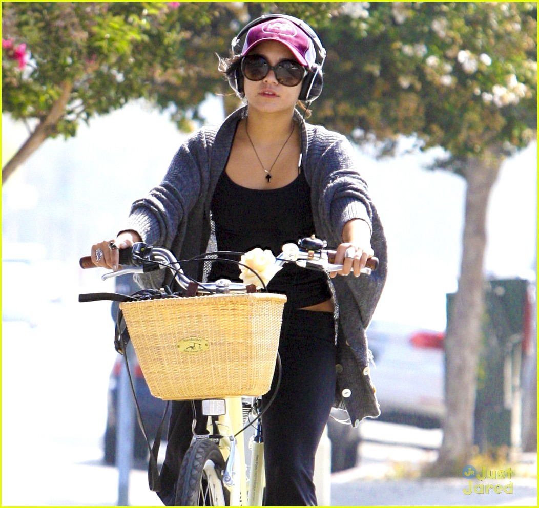 vanessa hudgens cycle workout 03