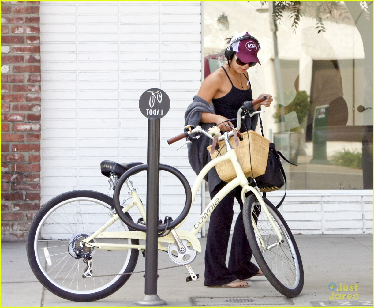vanessa hudgens cycle workout 09