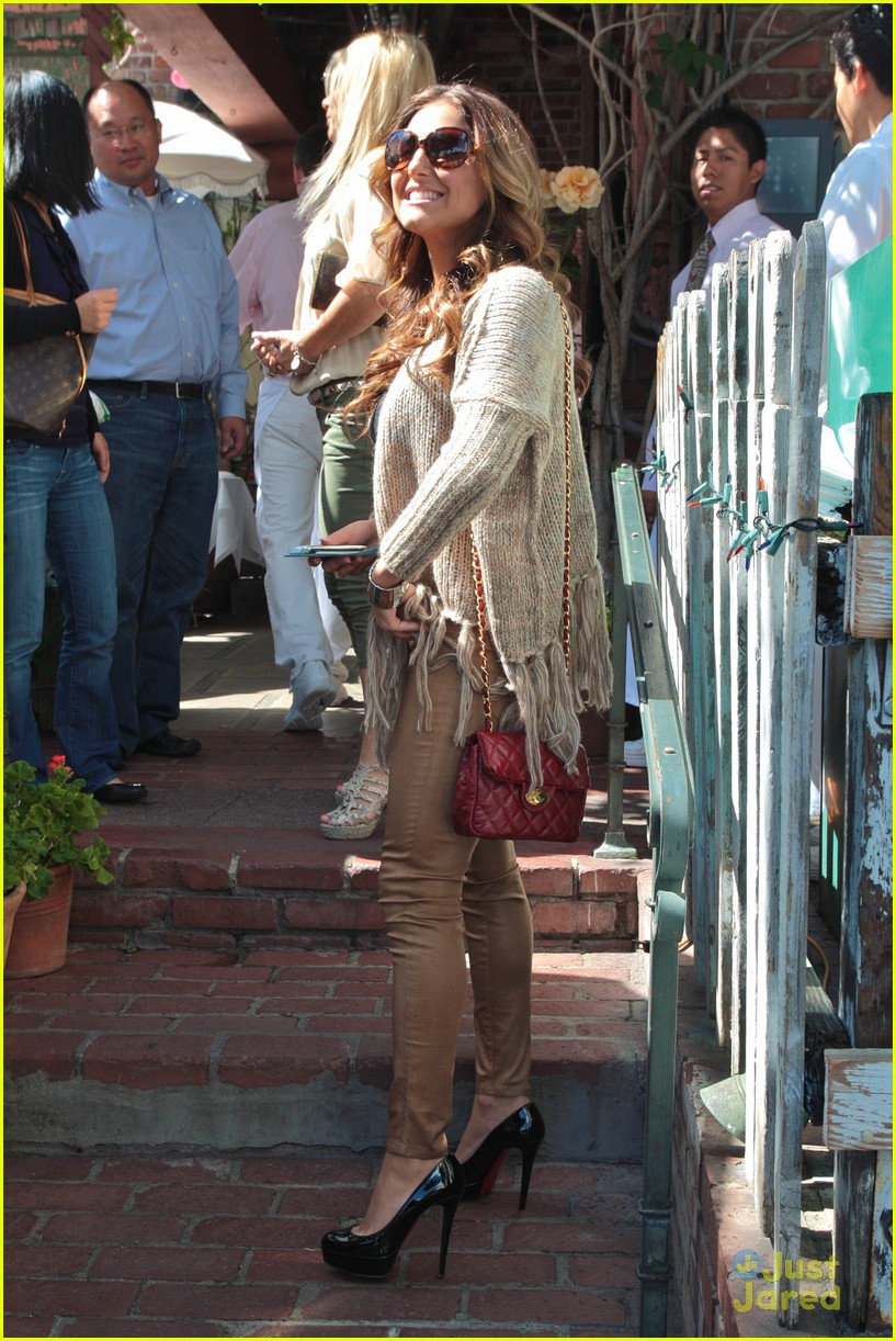 cassie scerbo ivy lunch 09