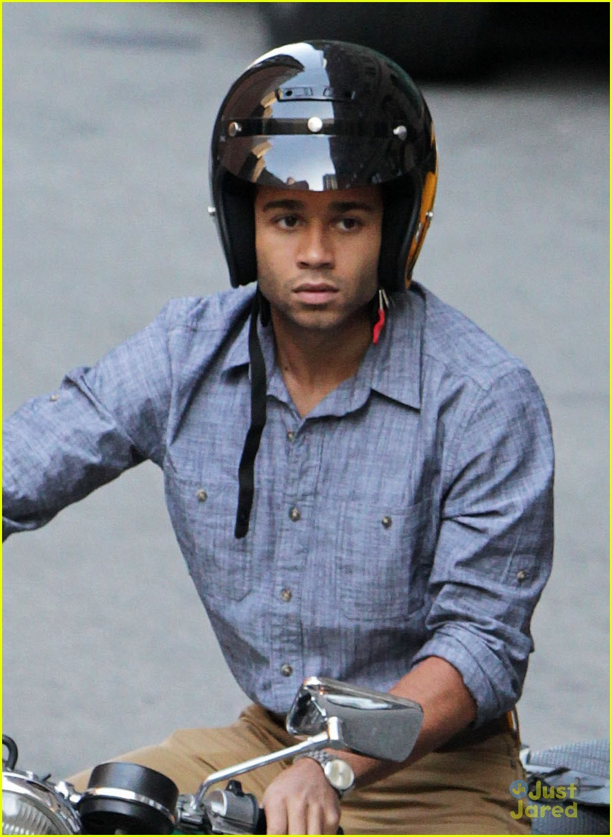 corbin bleu nurse 3d set 01