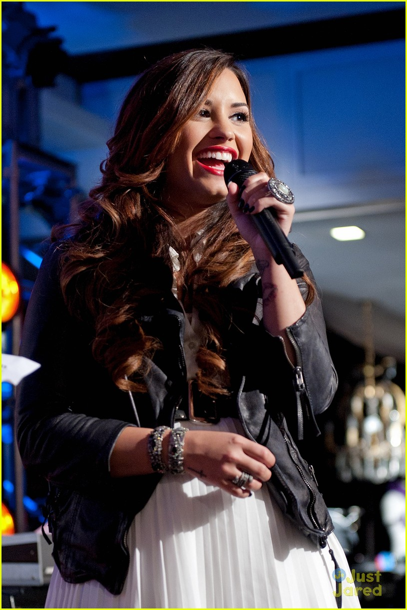 demi lovato z100 jingle ball 14