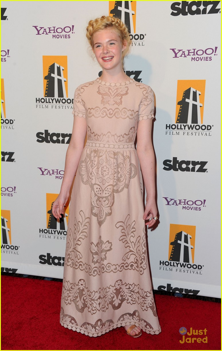 elle fanning hollywood film awards 03