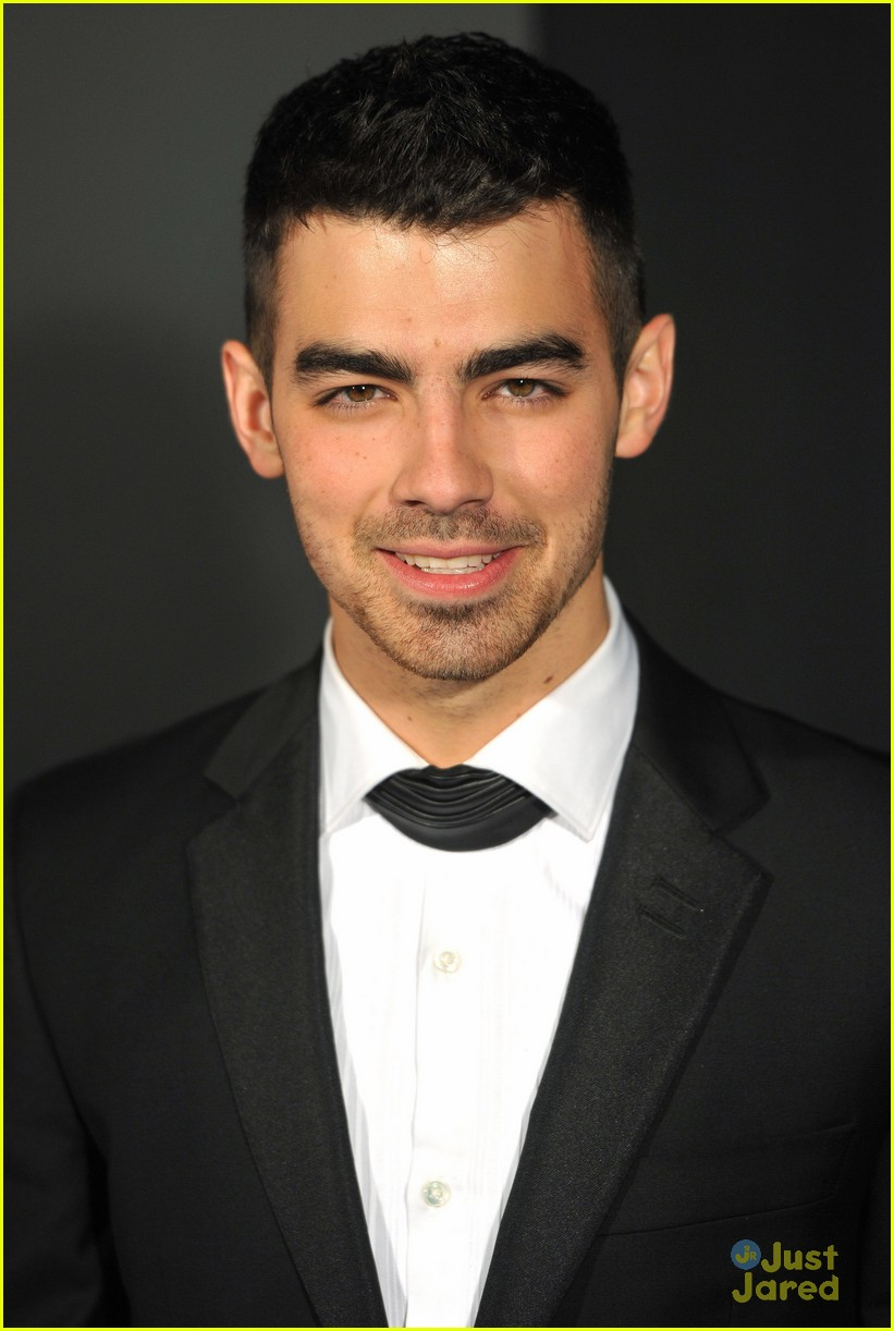 joe jonas grey goose ball 01