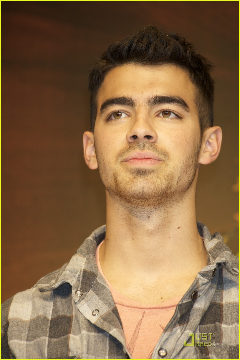 joe jonas madrid 10