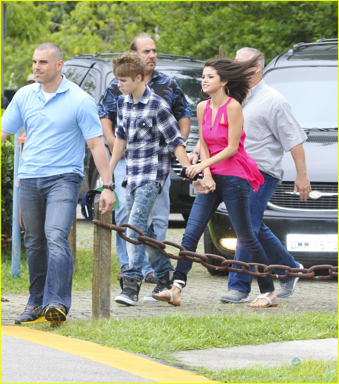 selena gomez justin bieber helicopter brazil 07