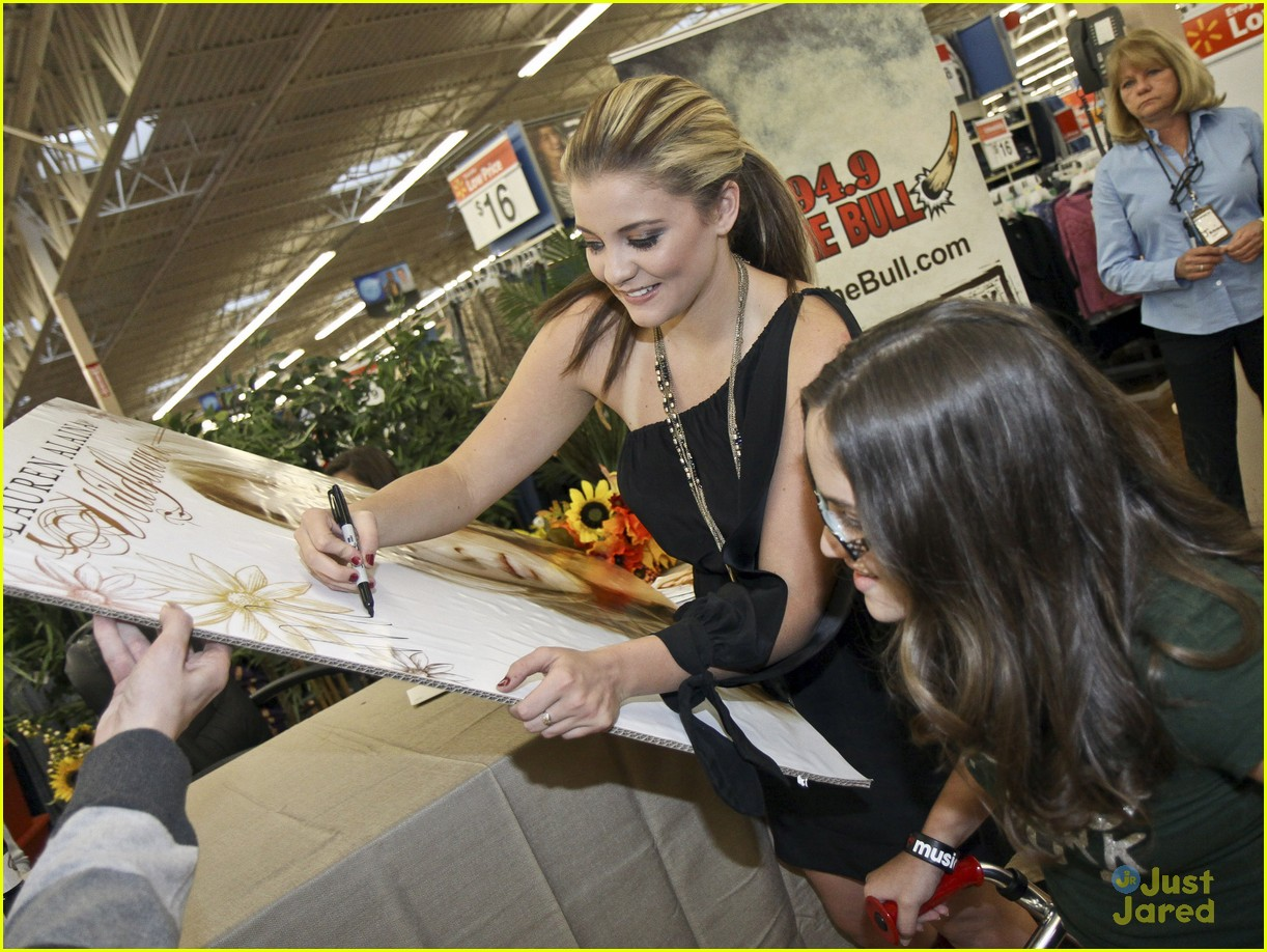 lauren alaina taylor swift walmart 05