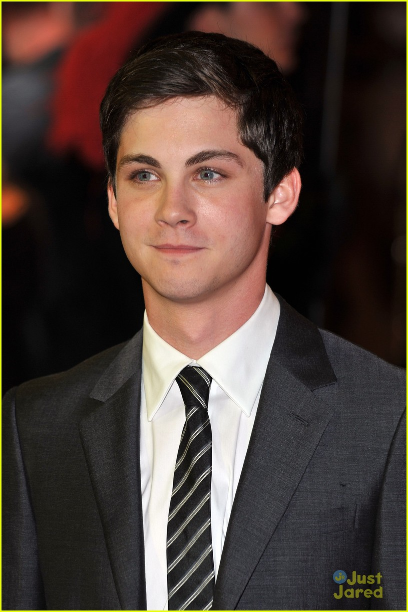logan lerman three premiere 07