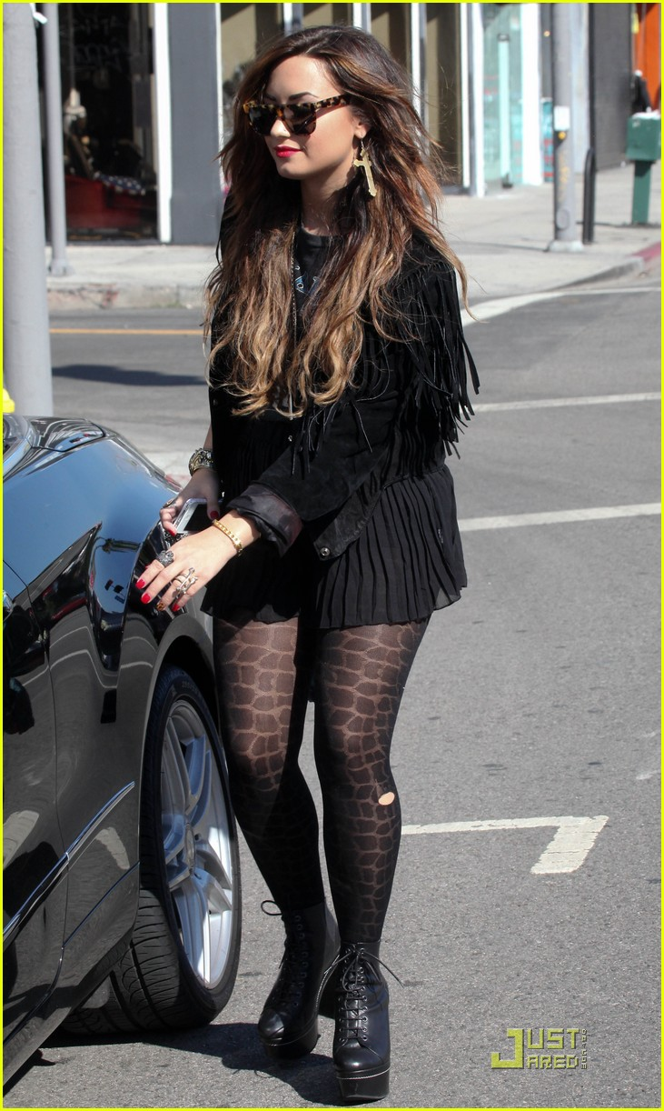 demi lovato shoe shopping 11