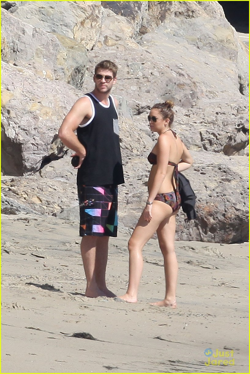 miley cyrus liam hemsworth malibu 01