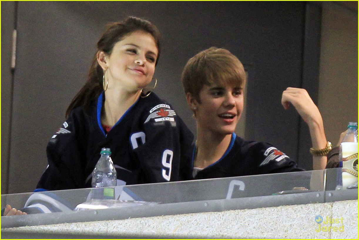 selena gomez justin bieber hockey game 11